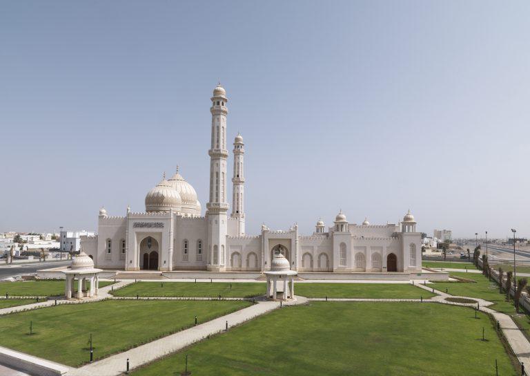 Sultan Taimur Bin Faisal Mosque - Mabella